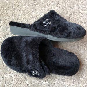 Vionic plush slipper ❄️